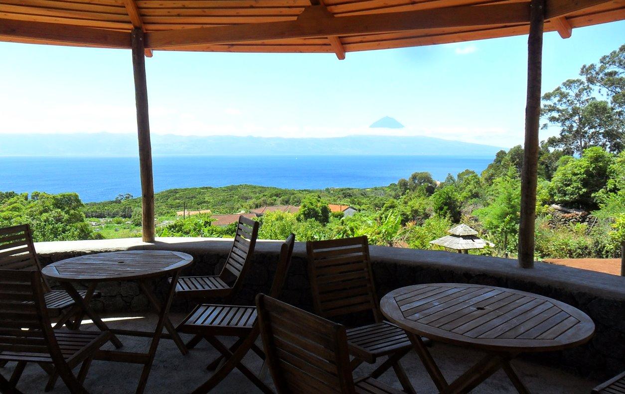 Glamping de Férias com Vista Mar, Sustentável, Jardim, BBQ e Wi-Fi - Próximo Moinho de Urzelina - 12380