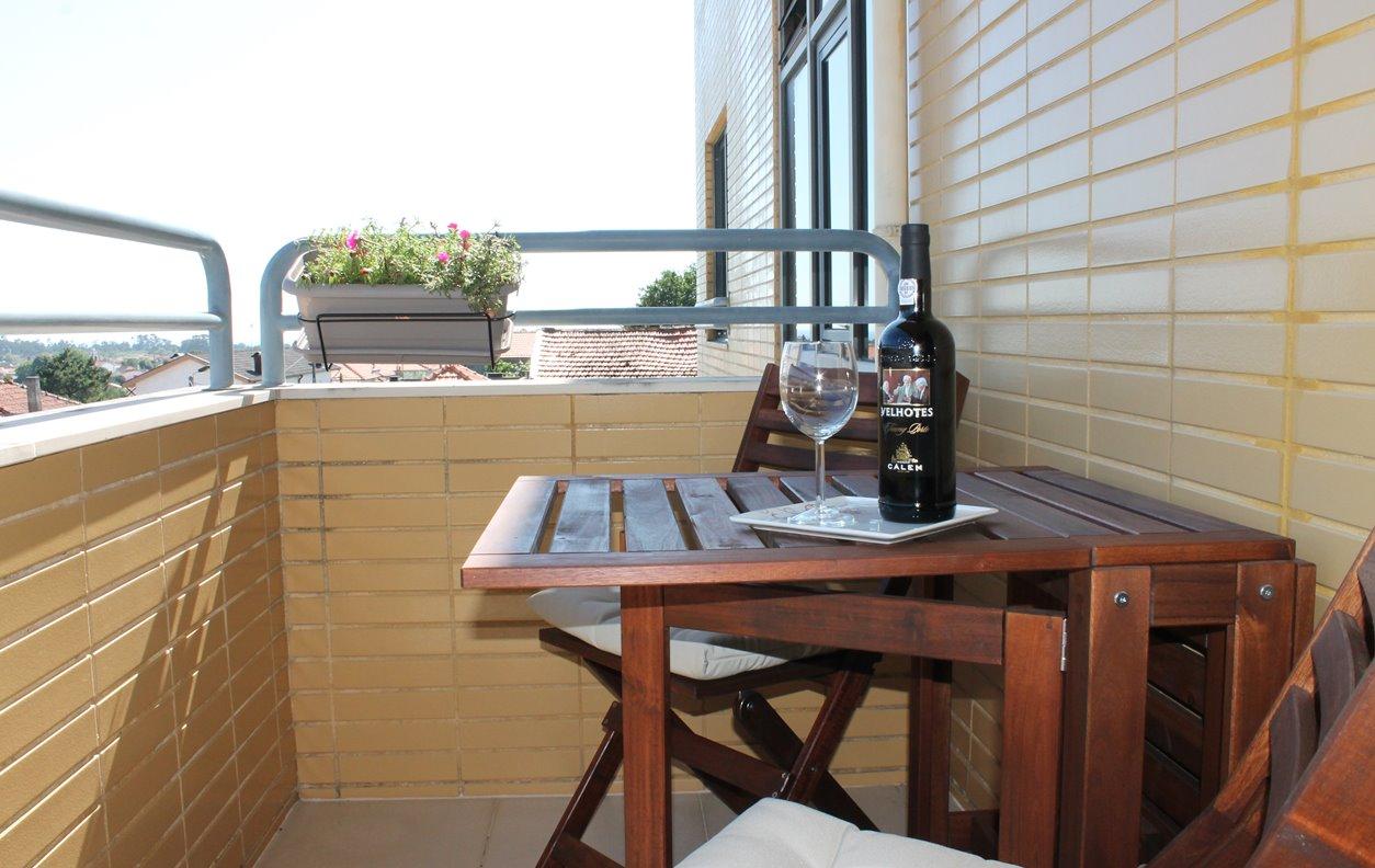 Apartamento de férias com Piscina, Vista Montanha, AQ.Central e Wi-Fi - Próximo Praia da Madalena - 12391