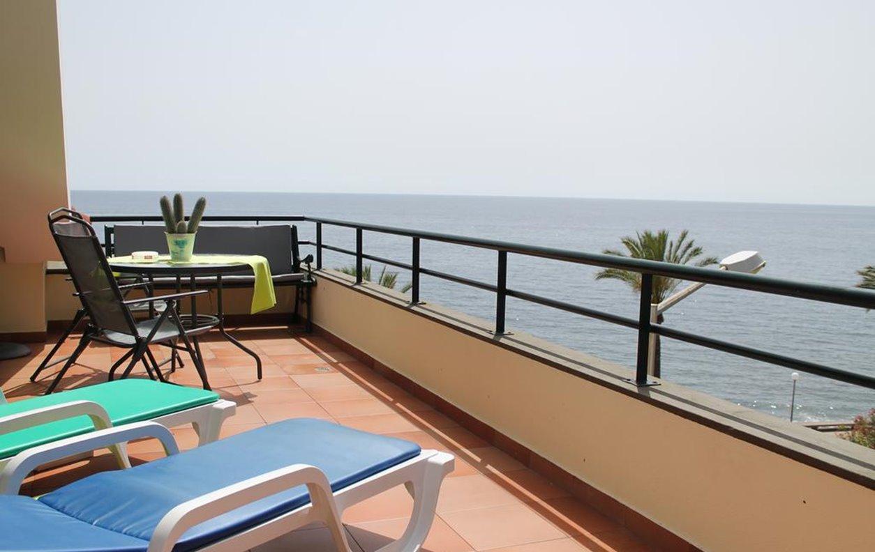 Apartamento de Férias com Vista Mar, A/C, BBQ e Wi-Fi - Próximo Praia da Madalena do Mar - 12411