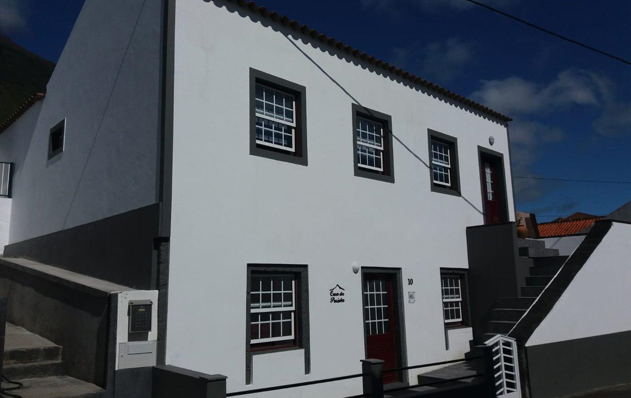 Quarto em Casa Rústica de Férias com Jardim, BBQ e  Wi-Fi - Próximo Ponta Alta - 12432