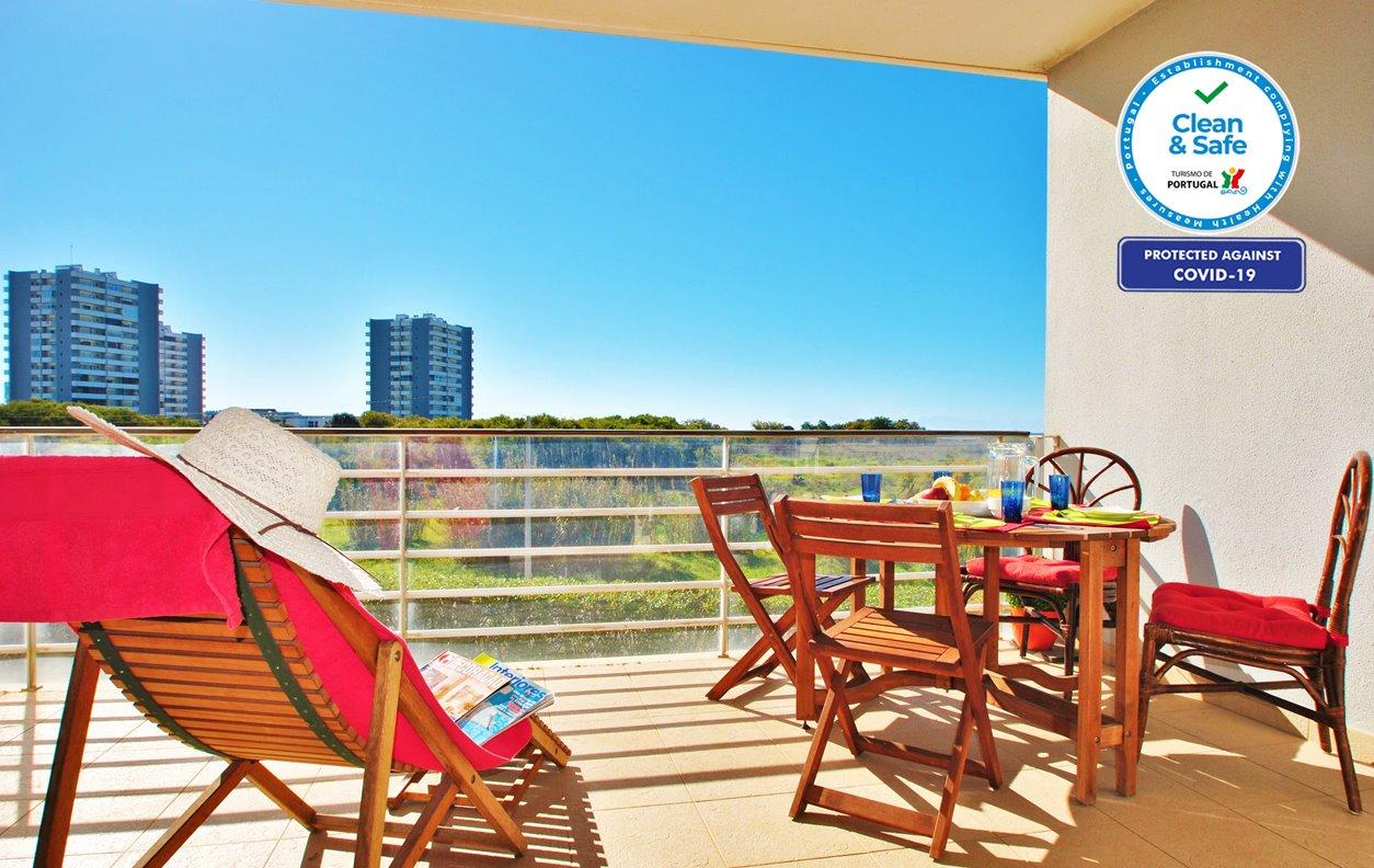 Apartamento de Férias com Piscina e Jardim, Vista Mar, A/C e Wi-Fi  -Próximo Praia da Torralta - 12497