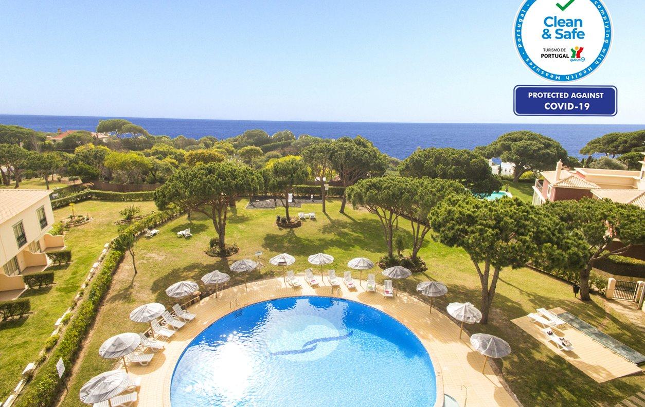 Apartamento de Férias com Piscina, Vista Mar, A/C e Wi-Fi - 350m da Praia- 12531