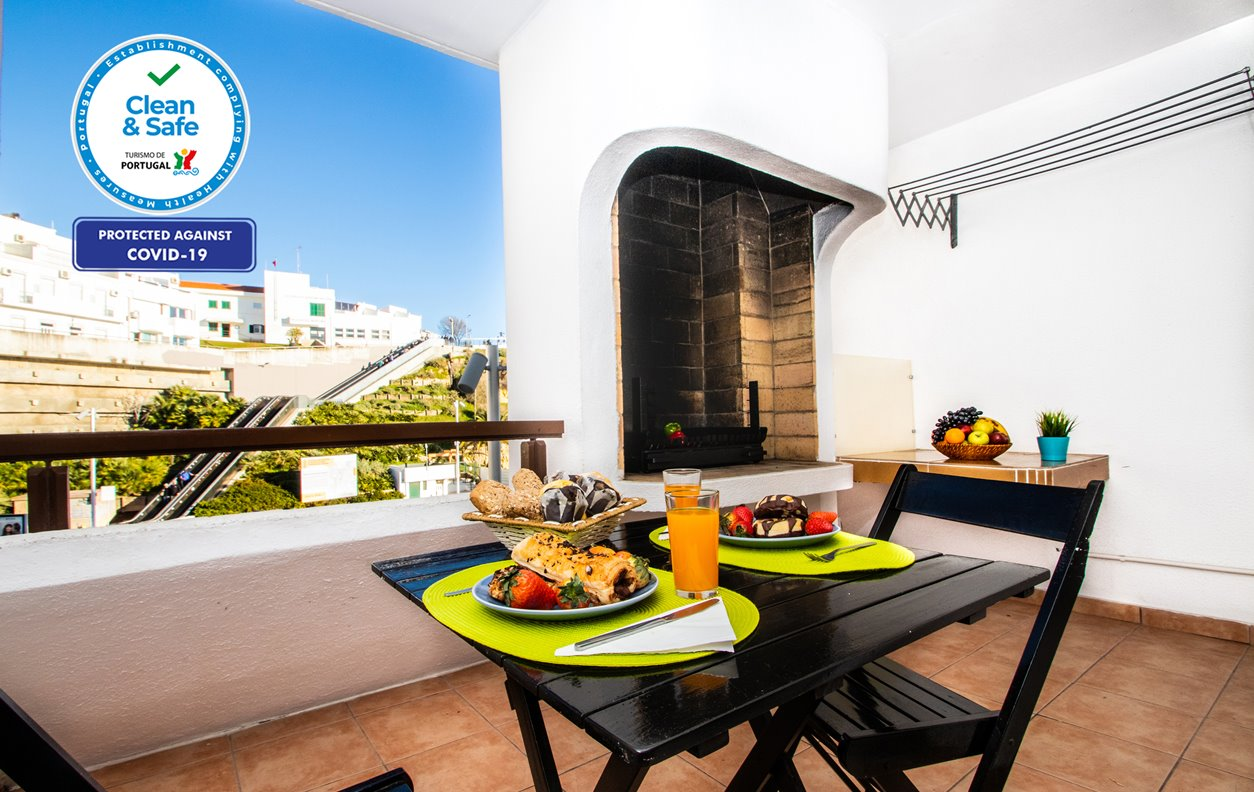 Marbella - Apartamento de Férias com Vista Mar, A/C, BBQ e Wi-Fi - 12534