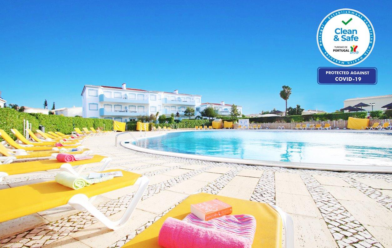 Casa de Férias com Piscina, A/C, Ténis, BBQ e Wi-Fi - A poucos min das encantadoras praias de Alvor, Vau e Praia de Rocha - 12573