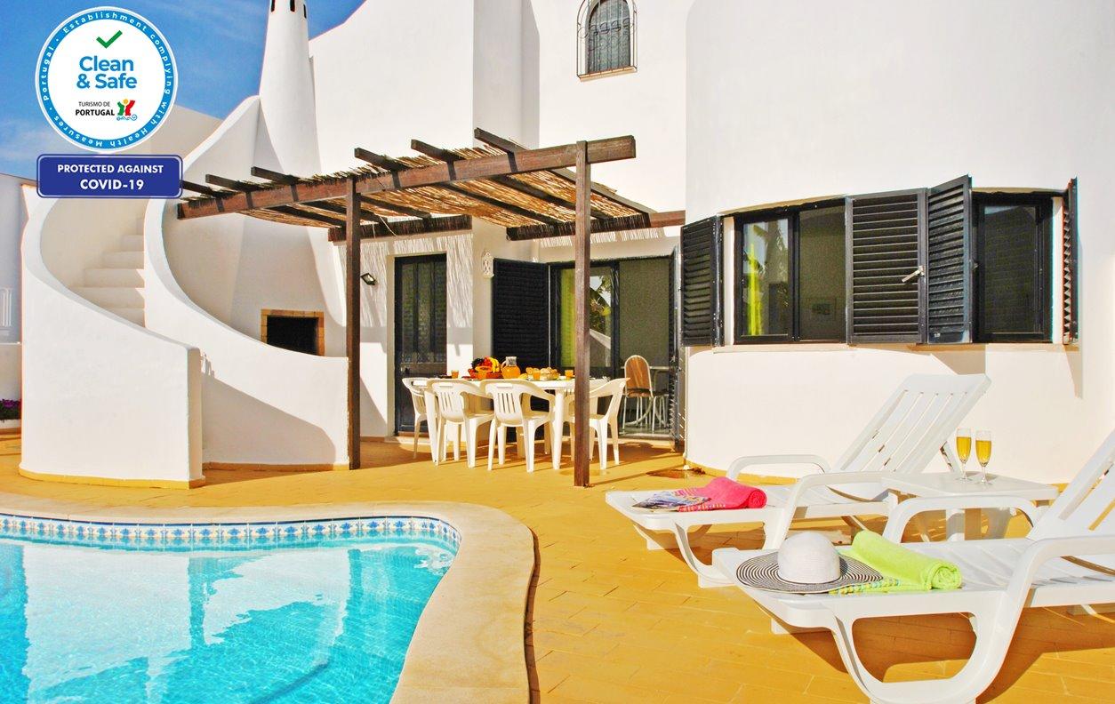 Casa de Férias com Piscina Privada, A/C, BBQ e Wi-Fi - a 650m das mais belas praias - 12628