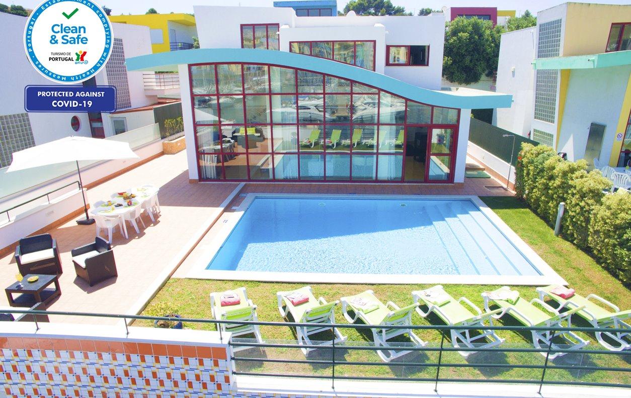 Casa de Férias com Piscina Aquecível e Jardim, V. Mar, A/C, BBQ e Wi- Fi - A 5 min. de carro da Praia de Peneco - 12629