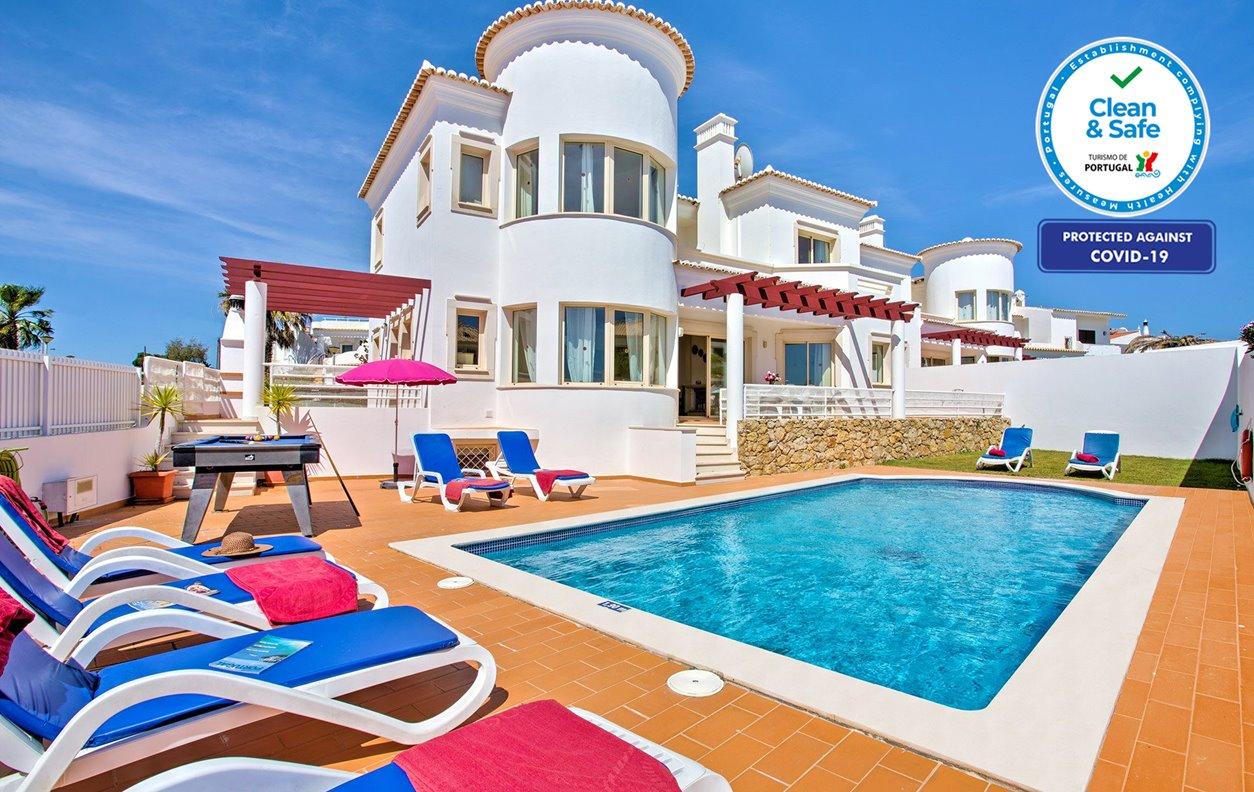 Casa de Férias com Piscina Aquecível e Jardim, A/C, BBQ e Wi-Fi - A 5 min a pé das melhores praias - 12639