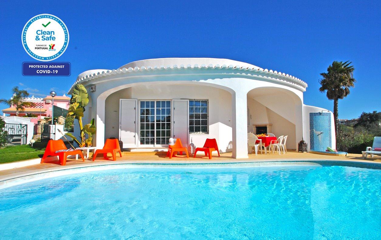 Menorca - Moradia T3 Armação de Pêra, Piscina, AC, Wifi, 500m da Praia