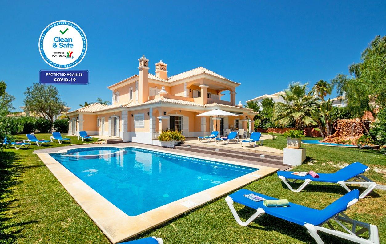 Casa de Férias com Piscina Aquecivel e Jardim, A/C, BBQ e Wi-Fi - Apenas a alguns min. de belas praias - 12667