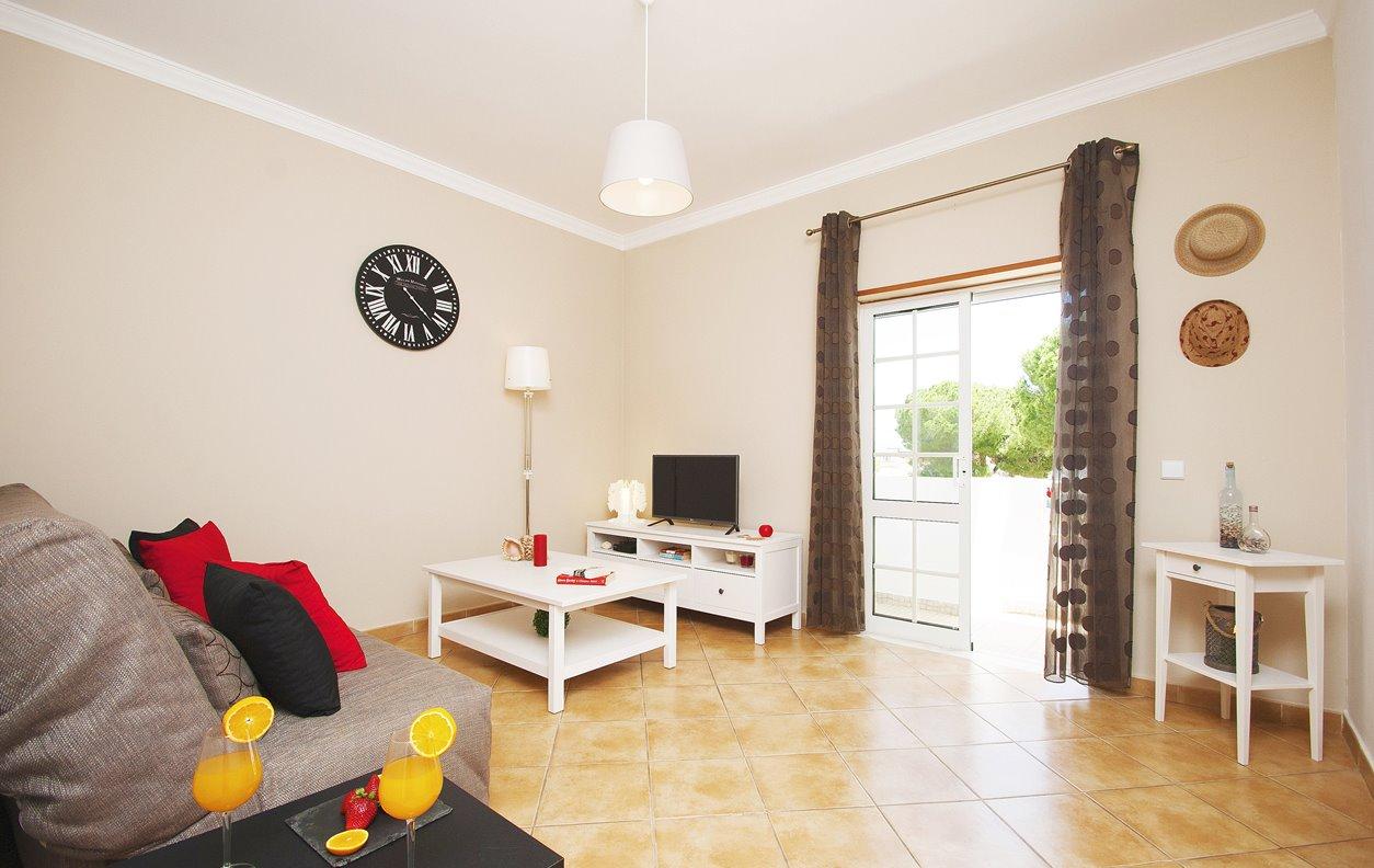 Apartamento de Férias com A/C e WIFI - A 1Km da praia -12736