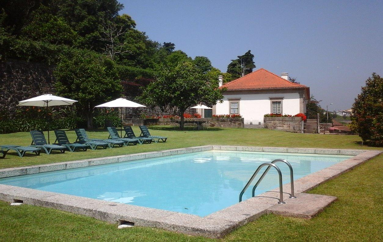 Casa de Campo com Piscina, Vista Montanha, Jardim e Wi-Fi - Próximo Museu Internacional de Escultura - 12746