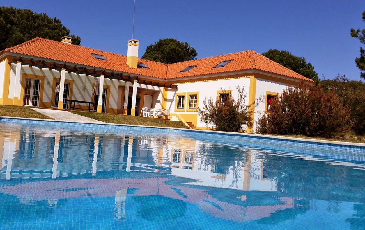 Casa de Férias com Piscina, Vista Montanha, A/C, BBQ e Wi-Fi - Próximo Praia da Comporta - 12798