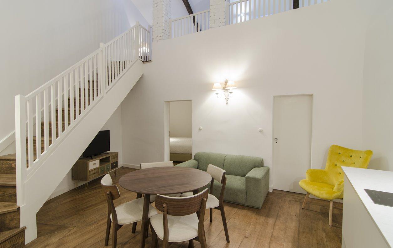 Suite em Apartamento de Férias com Piscina, A/C e Wi-Fi - Próximo Aqueduto da Água de Prata - 12815