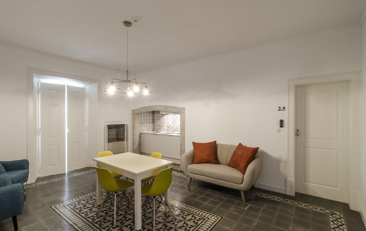 Suite em Apartamento de Férias no Centro da cidade com Piscina, A/C e Wi-Fi - Próximo Aqueduto da Água de Prata - 12816