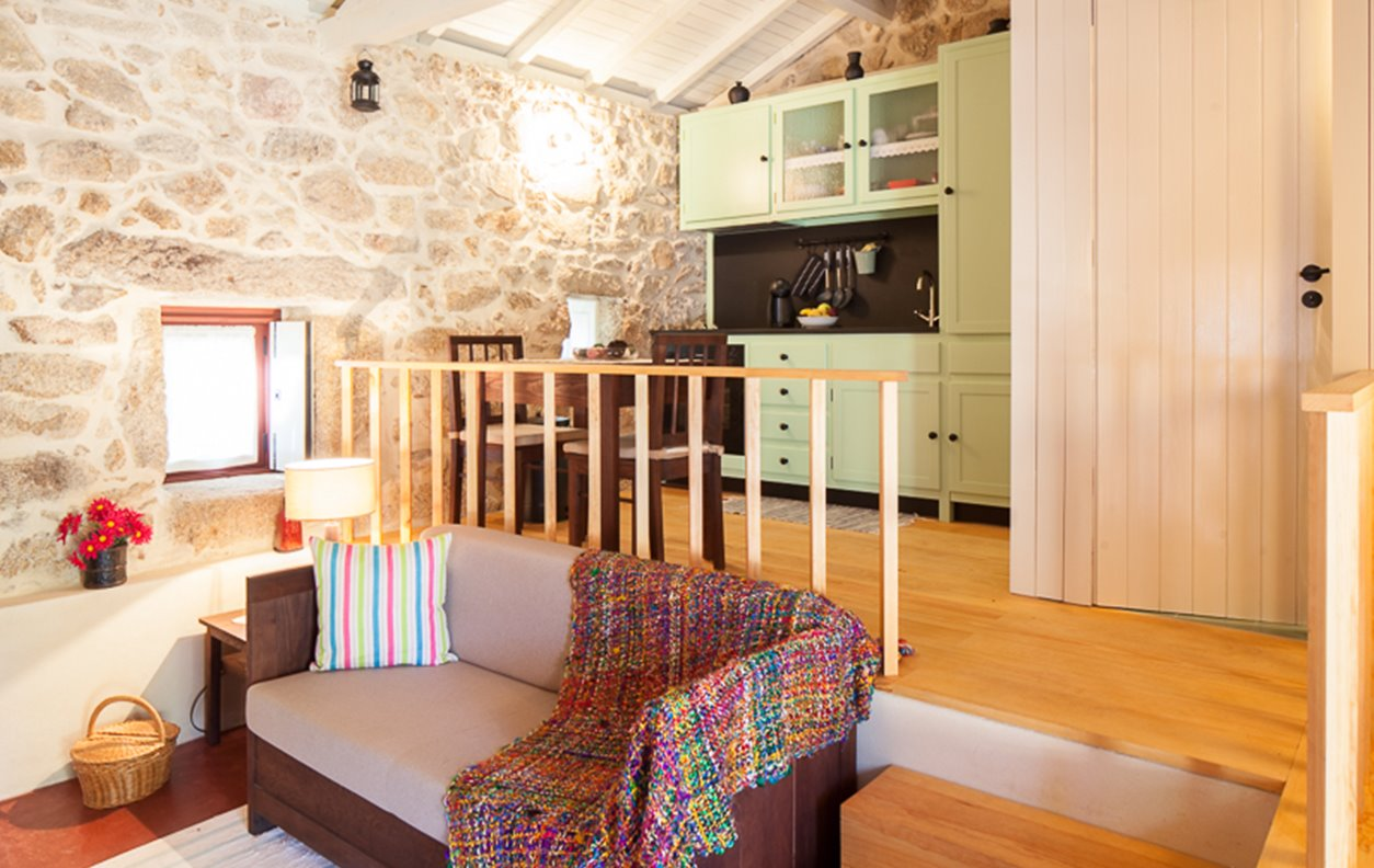 Casa Rústica de Férias com Vista Montanha, Jardim e Wi-Fi - Próximo Praia Flúvial Burgões - 12841