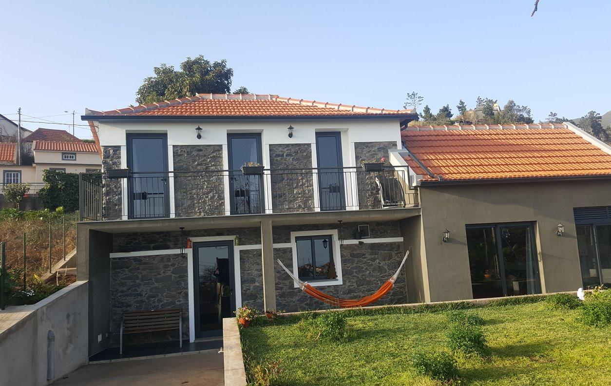Casa Rústica de Férias com Vista Mar, Jardim e Wi-Fi - Próximo Levada do Norte - 12876