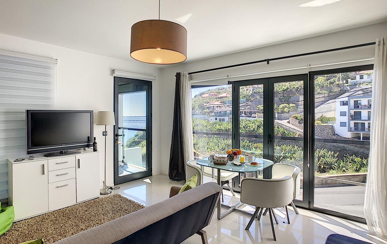 Estúdio de Férias com cozinha equipada e Wi-Fi - Próximo de Várias Amenidades - 12909