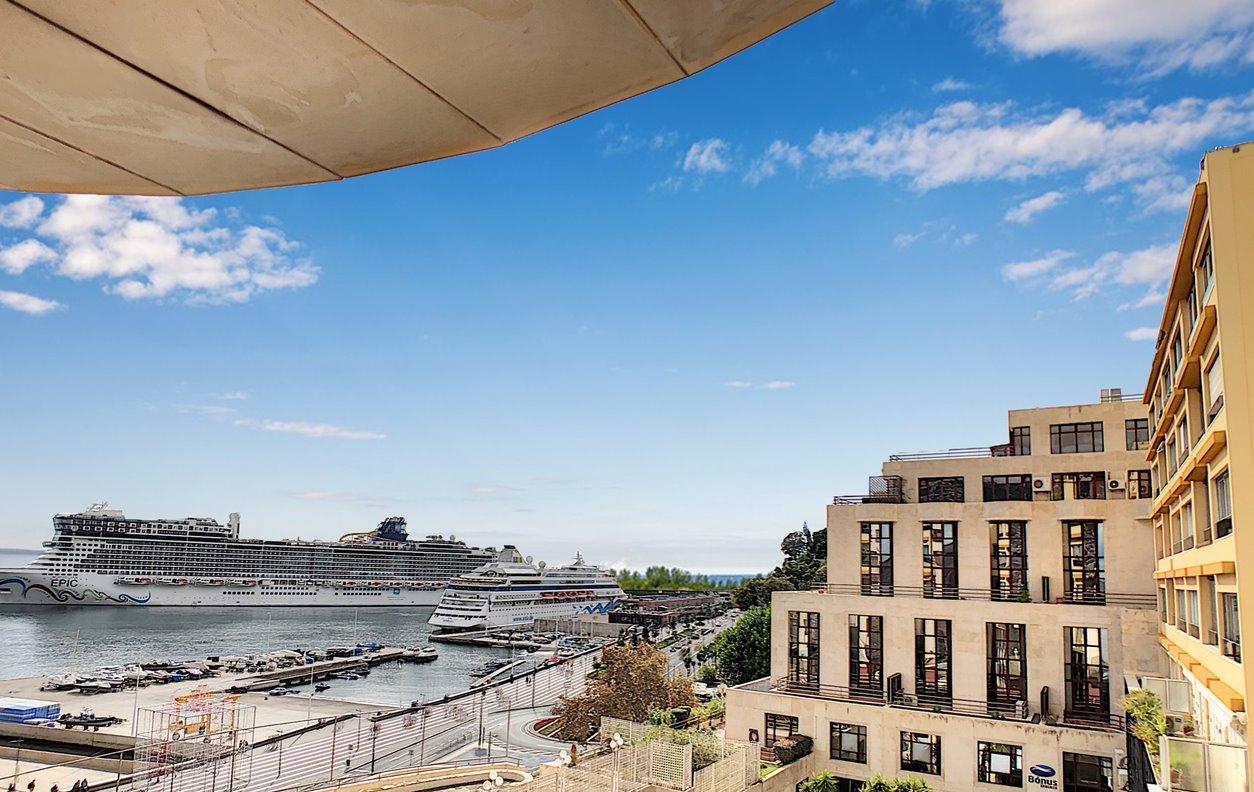 Apartamento de Férias com Vista Porto do Funchal, A/C e WI-FI - Próximo Museu CR7 - 12919