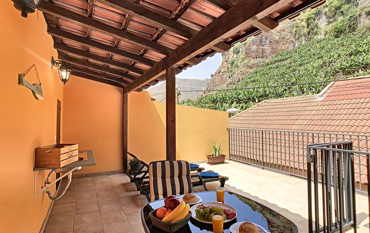 Casa de Férias com Vista Montanha e  WI-FI - Próximo Praia dos Anjos - 12931