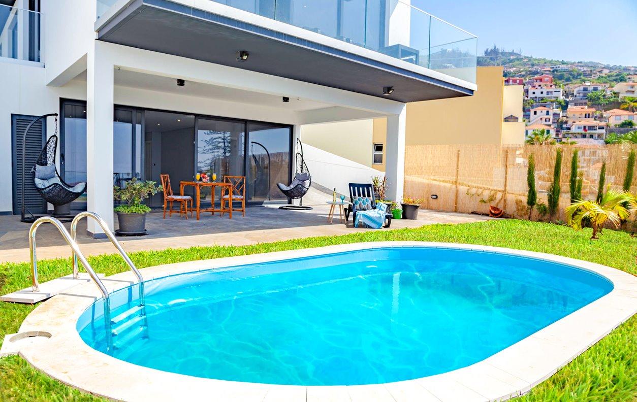 Casa de Férias com Piscina Aquecível, Vista Mar, Jardim, Jogos e Wi-Fi - Próximo  Jardim Botânico - 12950