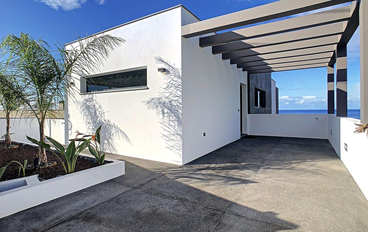 Casa de Férias com Vista Mar, Jardim, BBQ e Wi-Fi - Próximo Praia dos Anjos - 12967