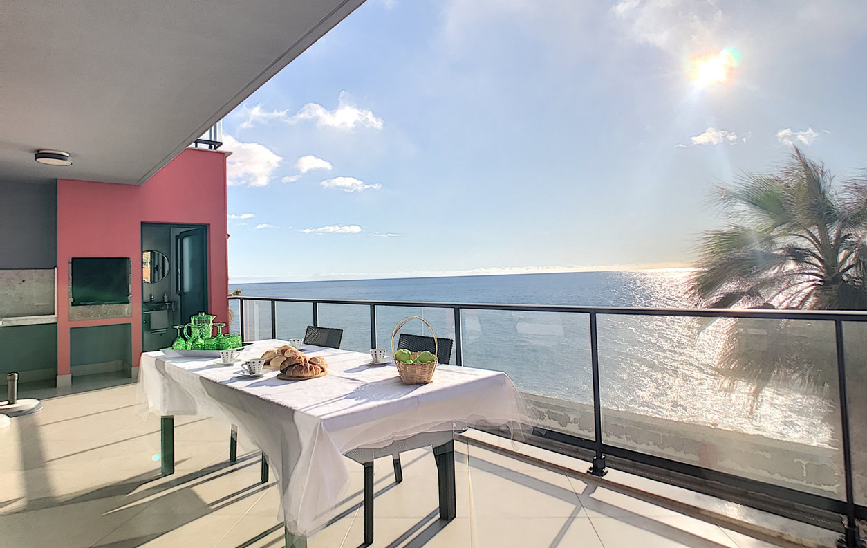 Casa de Férias a beira mar com Jacuzzi e WI-FI - Próximo Maktub - 12990