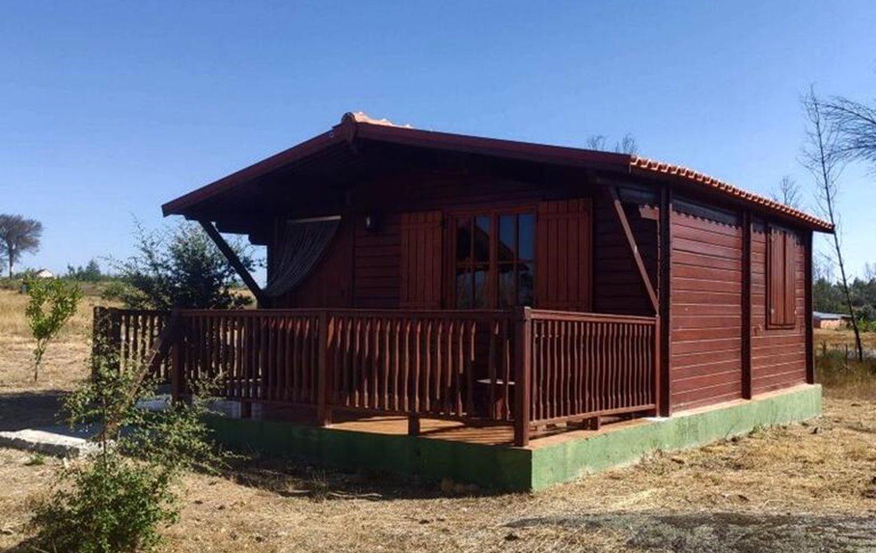Chalé de Férias com Piscina, Vista Montanha, A/C, BBQ e Wi-Fi - Próximo Serra da Estrela - 12998