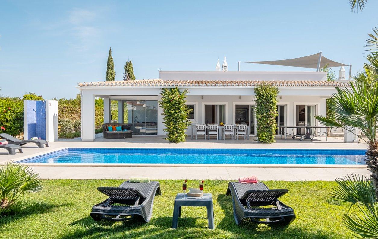 Villa Koster - Vivenda de Férias com Piscina Aquecível, A/C, BBQ  Wi-Fi -  13007