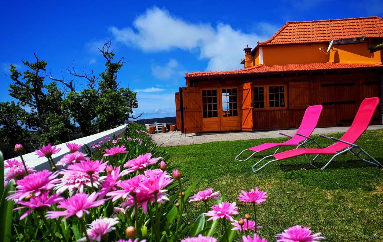 Casa Rústica de Férias com Vista Montanha, PetFriendly , BBQ e Wi-Fi - Próximo Miradouro