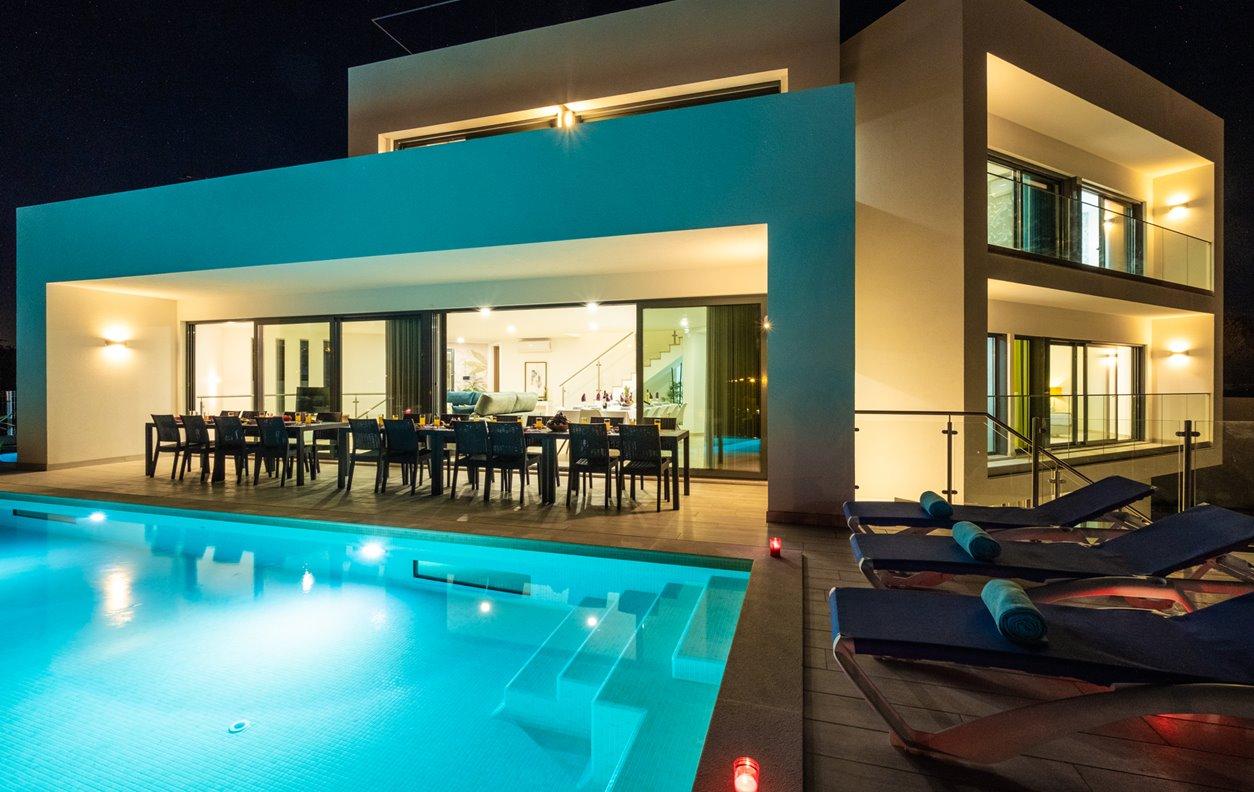 Casa de Férias com Piscina Aquecível, V. Mar, 2Jacuzzis, A/C, BBQ e Wi-Fi - 400m das melhores praias de areia dourada - 13012
