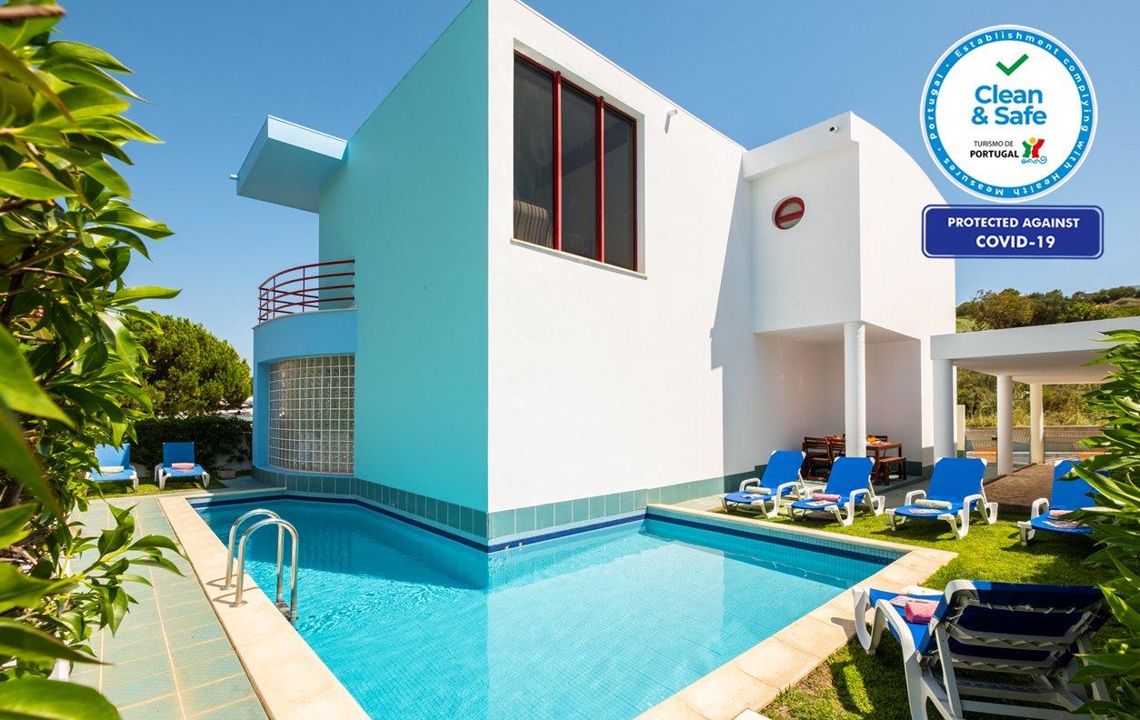 Casa de Férias com Piscina Aquecível e Jardim, A/C, BBQ e Wi-Fi - 20 minutos a pé de Albufeira - 13036