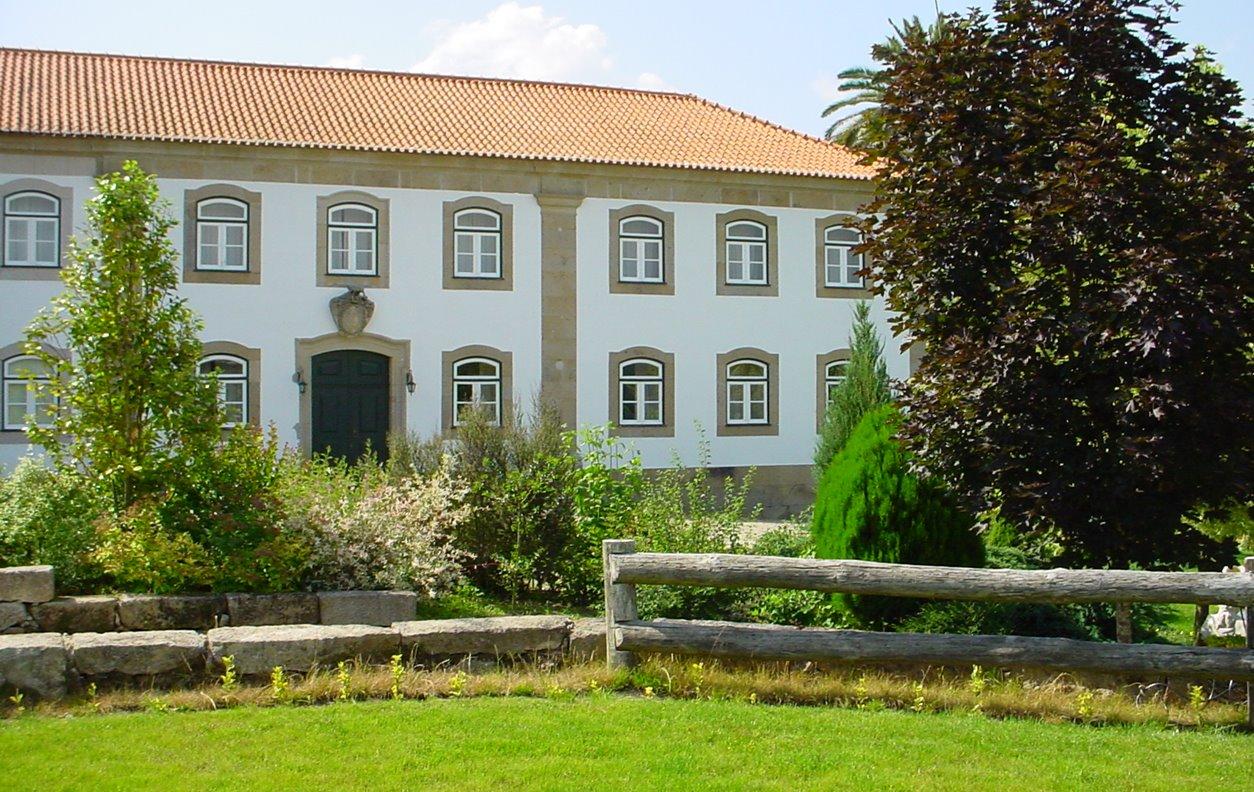 Suite em Casa Rústica de Férias com Piscina, Jardim, BBQ e Wi-Fi - Próximo Termas de São Pedro do Sul - 13041