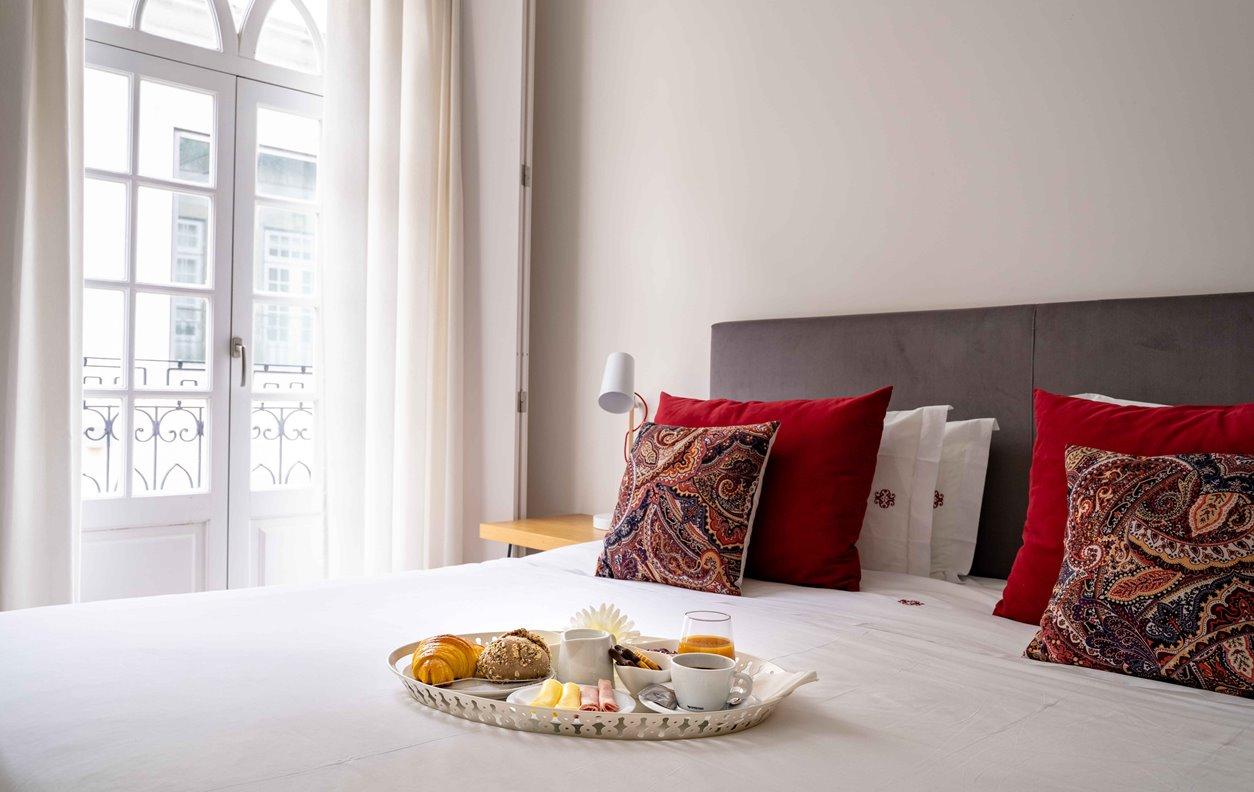 Suite em GuestHouse de Férias com A/C e Wi-Fi - Próximo Termas Romanas do Alto da Cividade - 13055