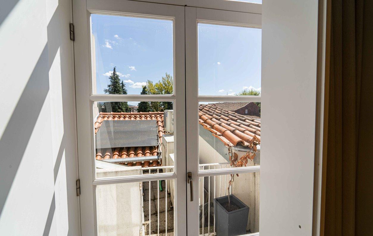 Suite em GuestHouse de Férias com A/C e Wi-Fi - Próximo Termas Romanas do Alto da Cividade - 13056