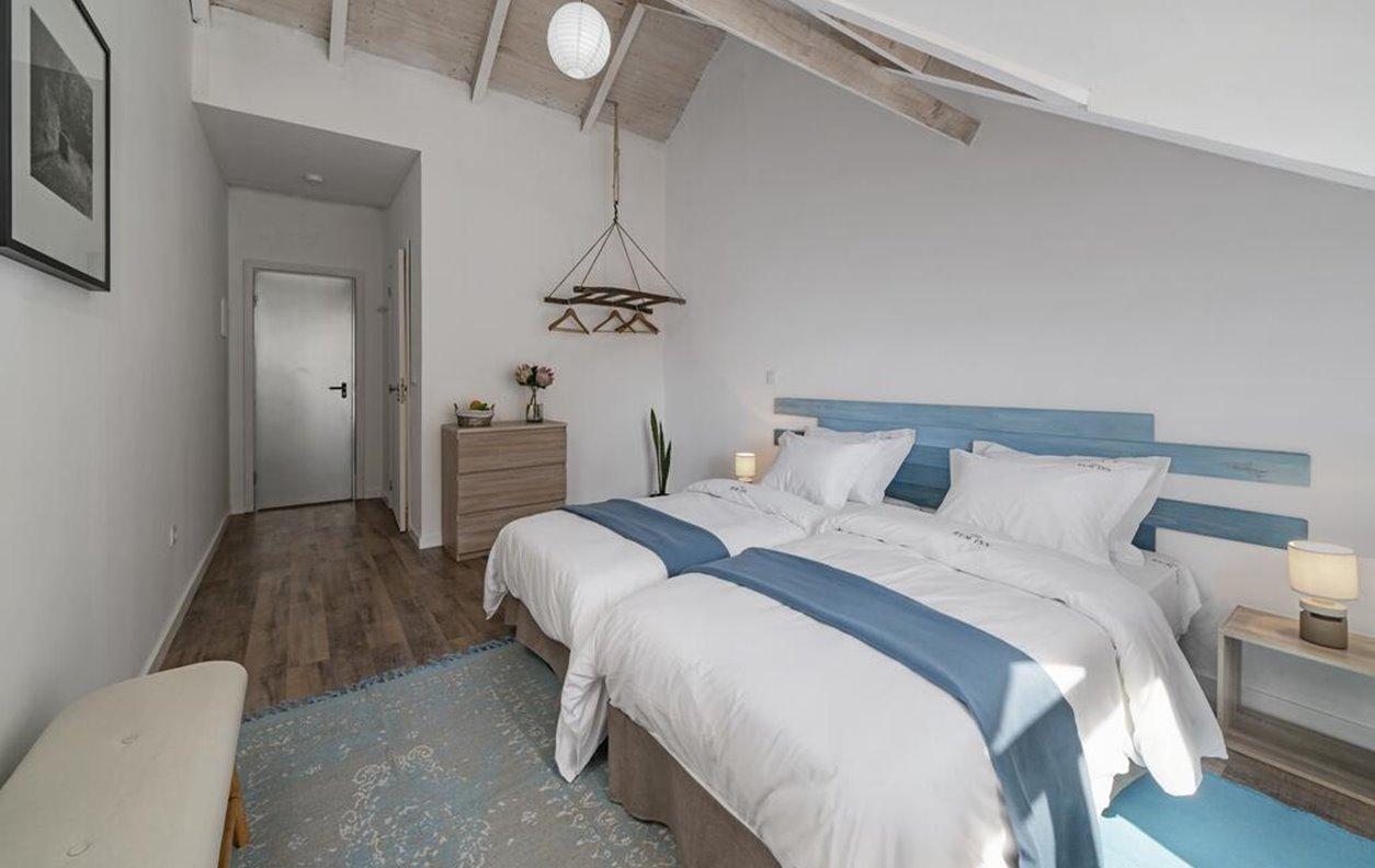 Suite em Hostel de Férias com Wi-Fi - Próximo da Praia da Calheta - 13087