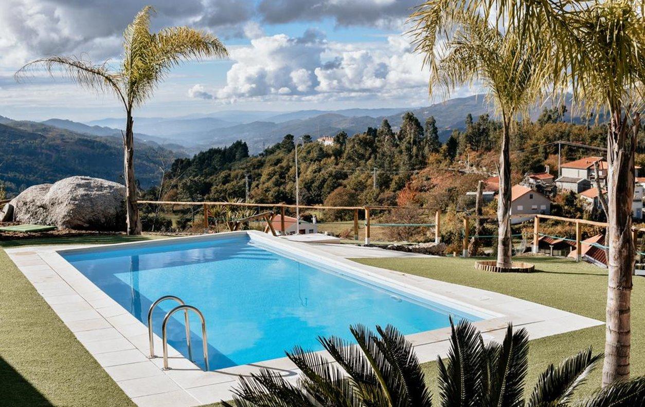 Casa de Férias com Piscina Privada e Jardim, Vista Montanha, BBQ e Wi-Fi - Próximo Bom Jesus das Mós - 13085