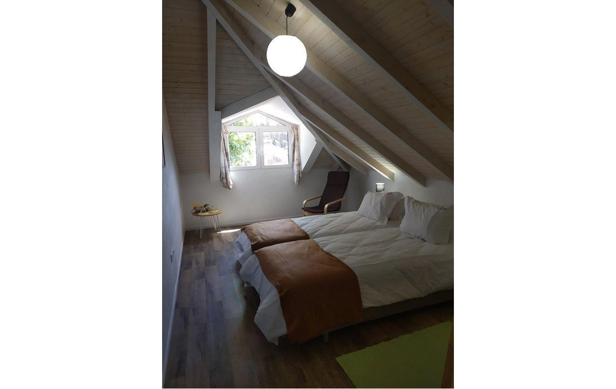 Suite em Hostel de Férias com Wi-Fi - Próximo da Praia da Calheta - 13090