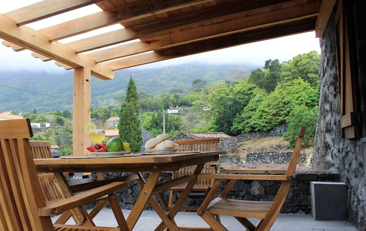 Vivenda de Férias com  Jardim, BBQ e Wi - Fi - Próximo Parque Natural do Pico - 13116
