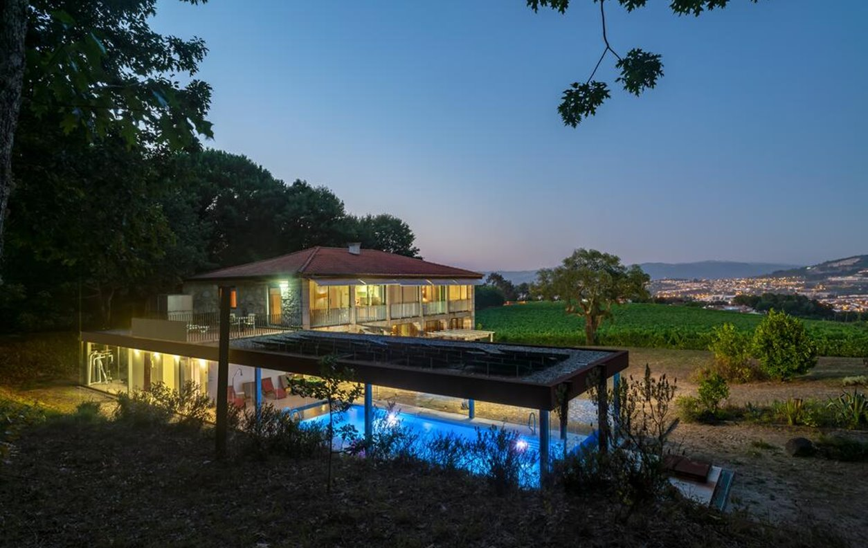Casa de Férias com Piscina Aquecível e Jardim, Ginásio Privado, A/C e Wi-Fi - Proximo Lago do Mosteiro de Tibães - 13141