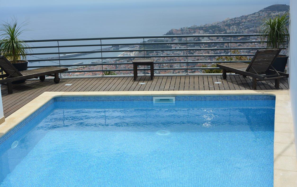 Casa de Férias + Apartamento/Estúdio com Piscina Privada e Jardim, Jacuzzi, A/C, BBQ e Wi-Fi - Próximo Jardim Botânico - 13164