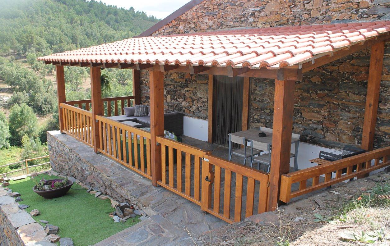 Serapicos House com Jacuzzi e Sauna privativos