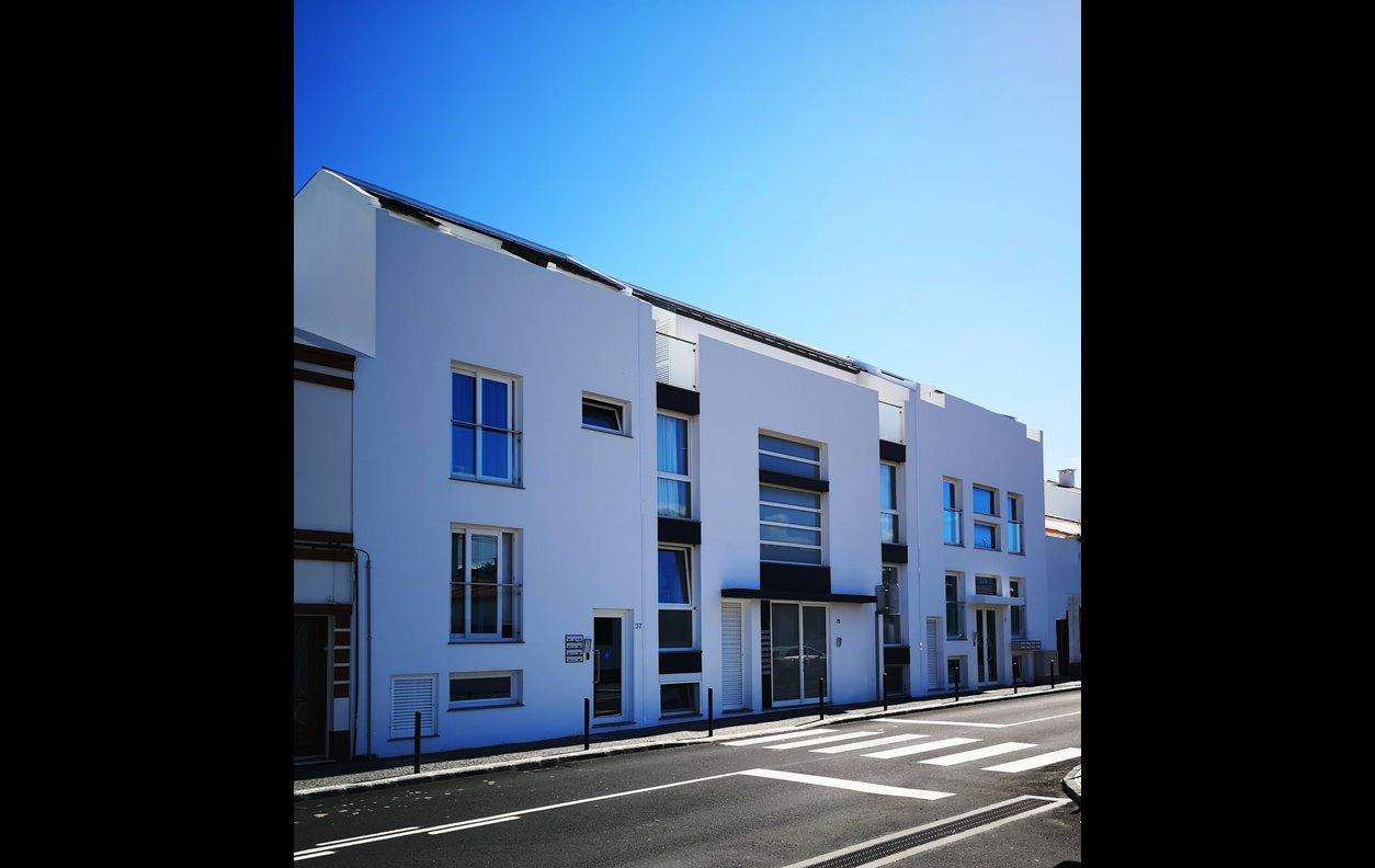 Apartamento de Férias com Vista Mar, Varanda e Wi-Fi - Próximo Forte São Bráz - 1421